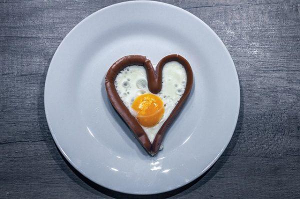 egg-2824786_640